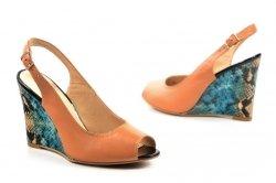Sandałki 37 koturn LAURA MESSI 1964 skóra beżowe