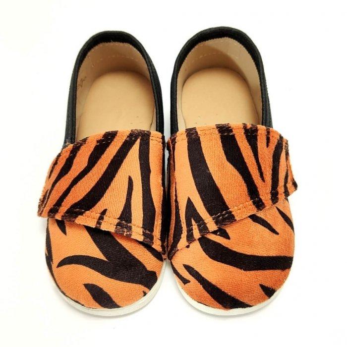 tenisowki-dla-dzieci-na-rzep-slippers-family-tygrys