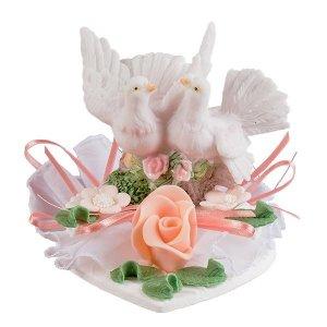 Dekoracja ślubna - Gołąbki z obrączkami na podstawce z kwiatami