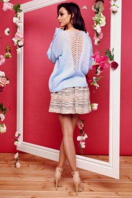 Sweter ze splotem na plecach LS242 błękitny
