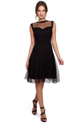 K030 Sukienka rozkloszowana w groszki - czarna
