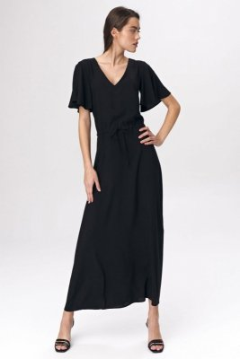 Czarna sukienka maxi z rozkloszowanym rękawem - S137