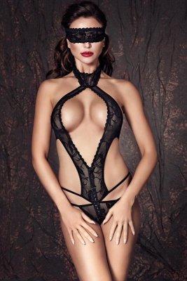 Anais Alexandra body