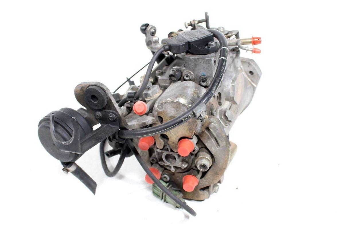 Cudowna Pompa wtryskowa Volvo S40 V40 1997 1.9TD - pod maską - S4 V40 1995 YC08