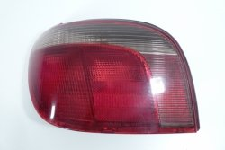 Lampa tył lewa Toyota Yaris 2001