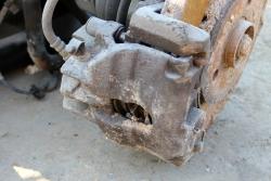 Zacisk hamulcowy przód lewy Rover 75 1998-2005 2.0D