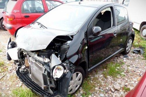 Toyota Aygo B10 2011 1.0i Hatchback 5-drzwi