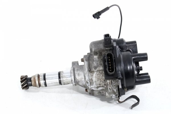 Aparat zapłonowy Mitsubishi Galant E30 1988-1992 1.8i T6T57371
