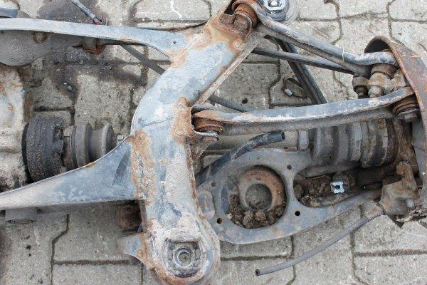 Półoś tył prawa Mercedes W124 1990 2.6i