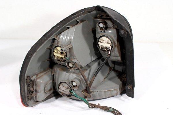 Lampa tył prawa Hyundai Santa Fe SM 2004