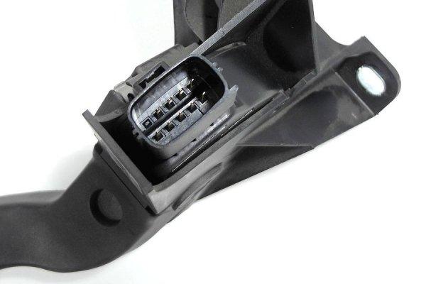 Pedał gazu Ford Mondeo MK3 2004 2.0TDCi