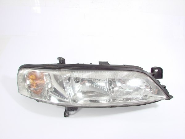 Reflektor prawy Opel Vectra B 1999-2002