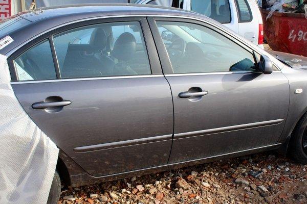 Drzwi przód prawe Kia Magentis 2006 Sedan (Kod lakieru: 8V)