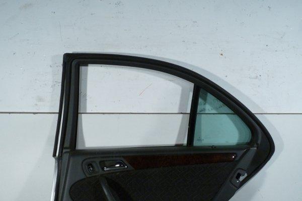 Drzwi tył prawe Mercedes C-Klasa W203 2003 Sedan (Kod lakieru: 744)