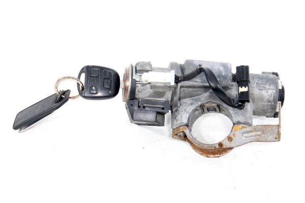 Stacyjka kluczyk - Toyota - Avensis - zdjęcie 1