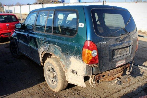 Lusterko lewe Hyundai Terracan 2001 (Kod lakieru: BY)