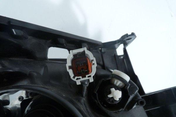 Reflektor przód lewy Nissan Juke 2014 lift