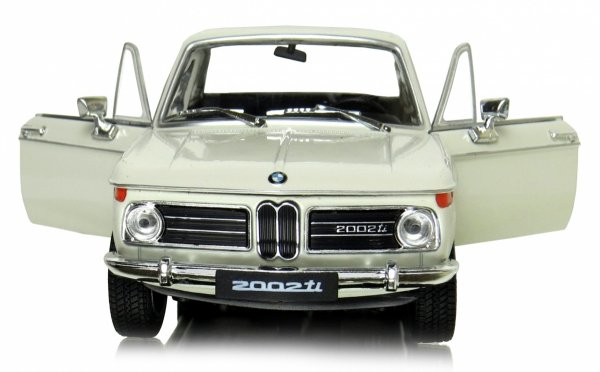 BMW 2002ti Auto Welly METALOWY MODEL 1:24