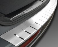 VW PASSAT B8 4D SEDAN od 2014 Nakładka na zderzak z zagięciem (stal)