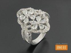 ANA CRYSTAL srebrny pierścień z cyrkoniami roz.17