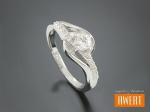 DIMONA CRYSTAL srebrny pierścionek z cyrkoniami roz. 14