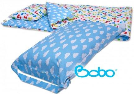 Pokrowiec na śpiworek błękitny w chmurki