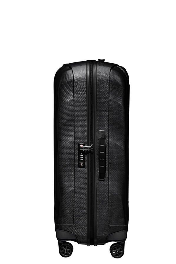 Bagaż posiada zabezpieczenie w postaci zamka szyfrowego z systemem TSA