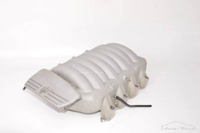 Maserati 3200 GT Intake manifold with throttle body cover