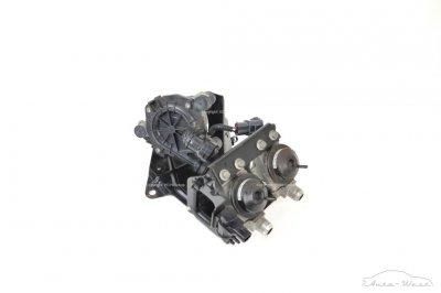 Aston Martin Vantage 4.7 V8 Secondary air pump with valve