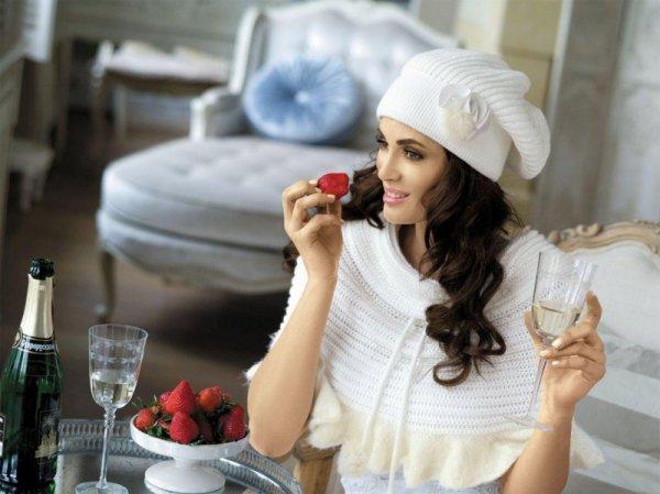 Kamea Fatima biała czapka