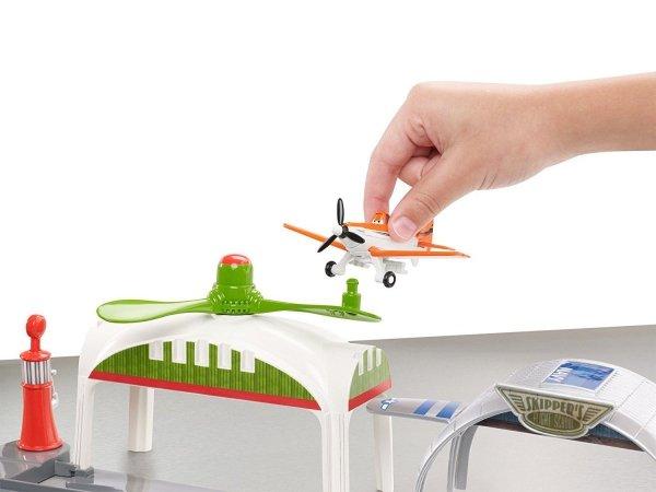 zjeżdżalnia zabawka samoloty z bajki