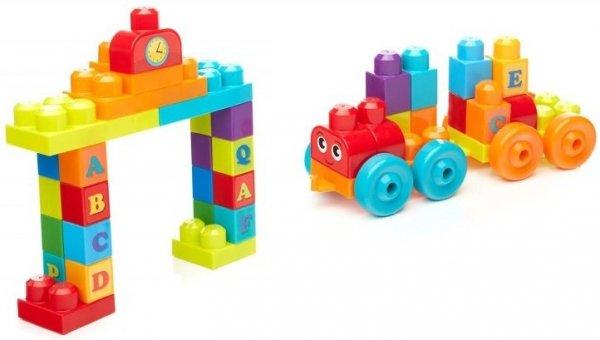 uczy literek alfabetu pociąg z klocków