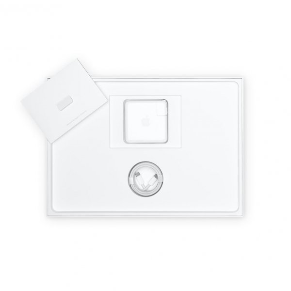 MacBook Pro 16 Retina Touch Bar i7-9750H / 16GB / 8TB SSD / Radeon Pro 5500M 4GB / macOS / Silver (srebrny)