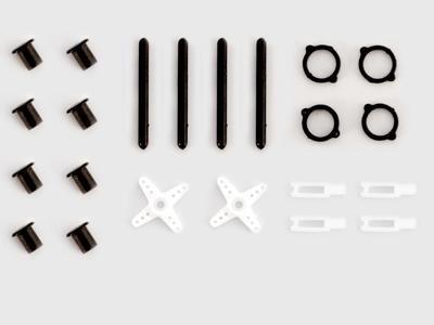 Zestaw elementów plastikowych