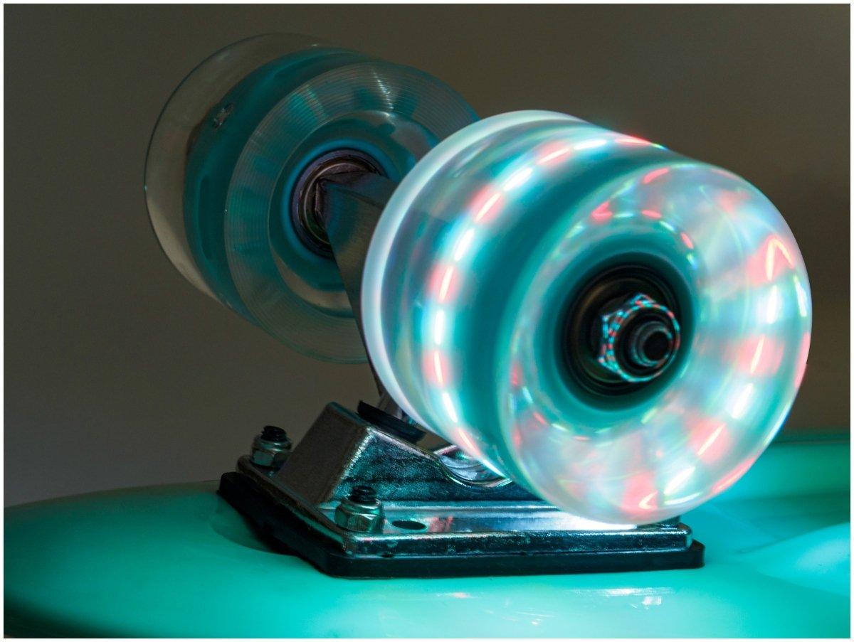 Deskorolka Fiszka 56cm - koła LED - turkusowa