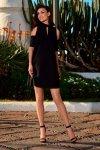 Sukienka z odkrytymi ramionami  L245 czarny