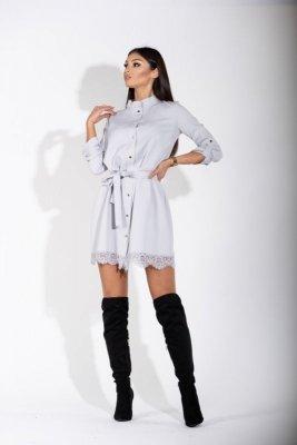 Sukienka typu szmizjerka z koronkowym wykończeniem