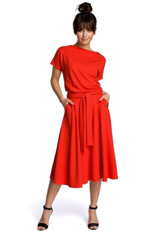 B067 Sukienka czerwona