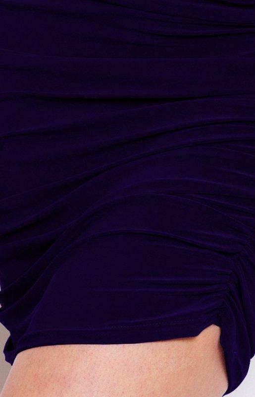 16-4 Sukienka z marszczeniami na biodrach - krój kimona - Granatowa