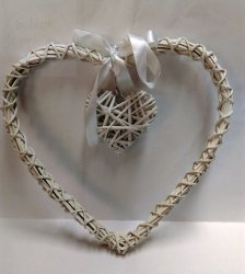 Serce ratanowe białe  30 x 30 cm