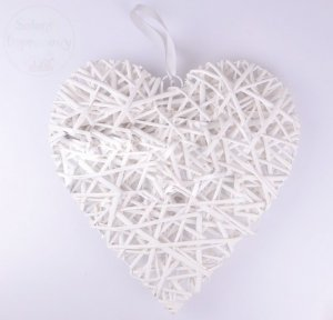 Serce ratanowe białe  40 x 42 cm