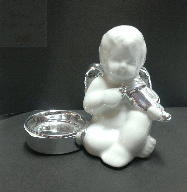 Figurka Aniołek  ze srebrnym świecznikiem
