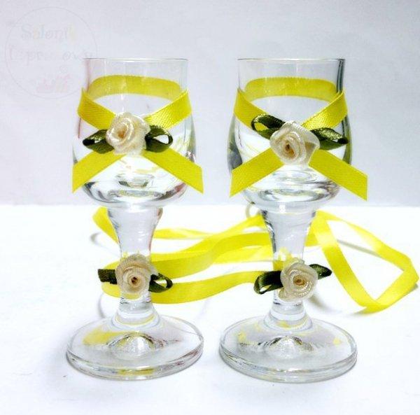 Kileiszki do wódki z żółtą dekoracją 2 szt