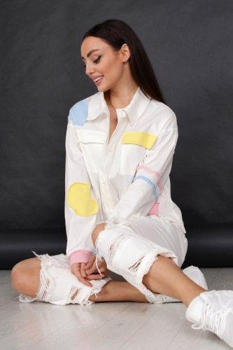 koszulowa kurtka z łączonych materiałów