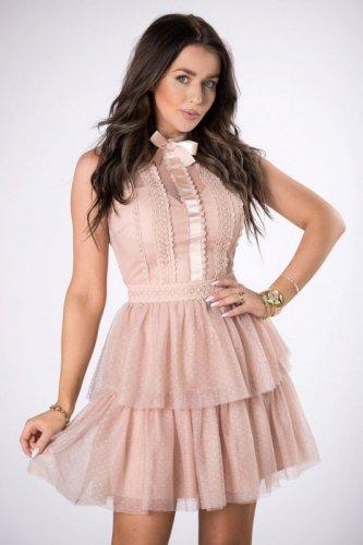 szyfonowa sukienka z falbankami