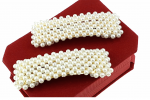 hairpin with white pearls