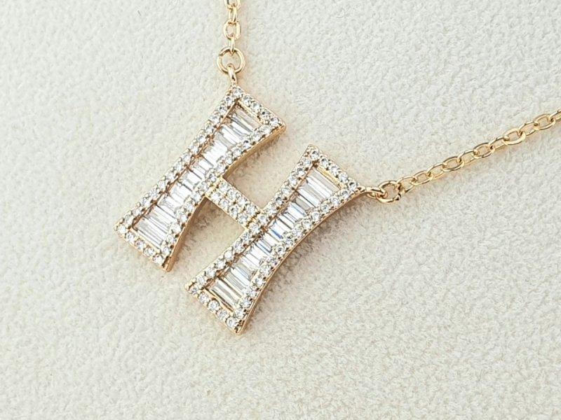3602 Złoty łańcuszek celebrytka literka H naszyjnik pozłacany