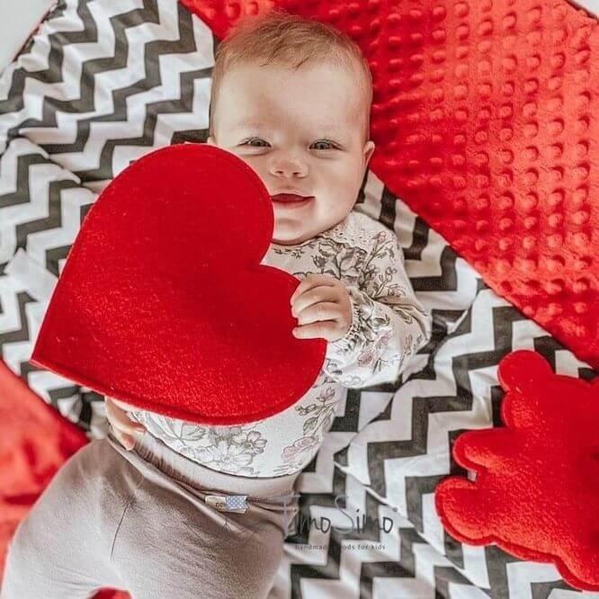 Sensory mat for infants