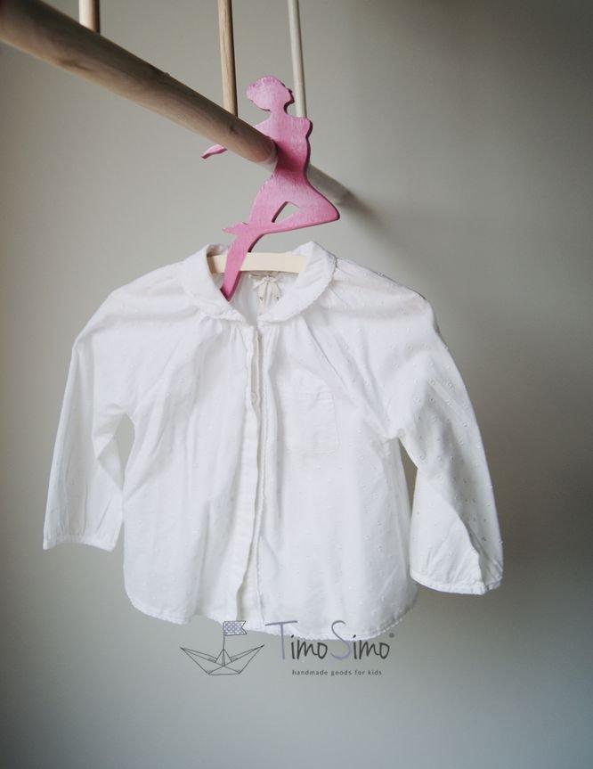 Wieszak na ubranka dla dziewczynki