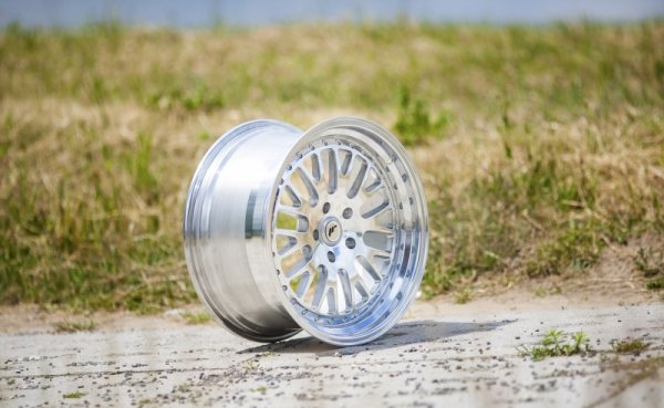 Japan Racing JR10 18x8,5 ET40-45 Blank FullPolishe